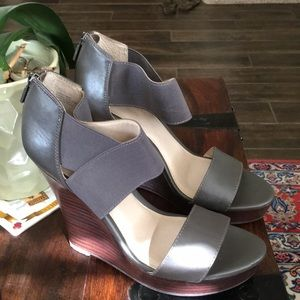 Seychelles Grey Wedge Sandals - Size 7.5